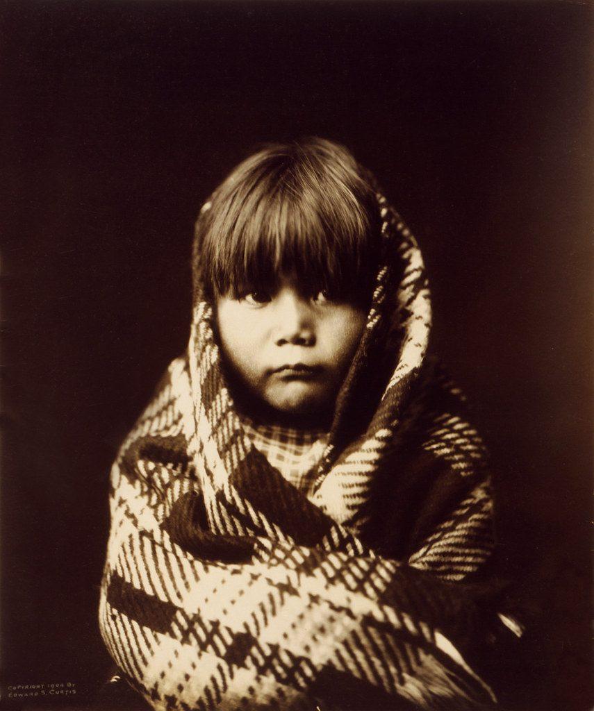 Edward S. Curtis: Navajo child, ca. 1904