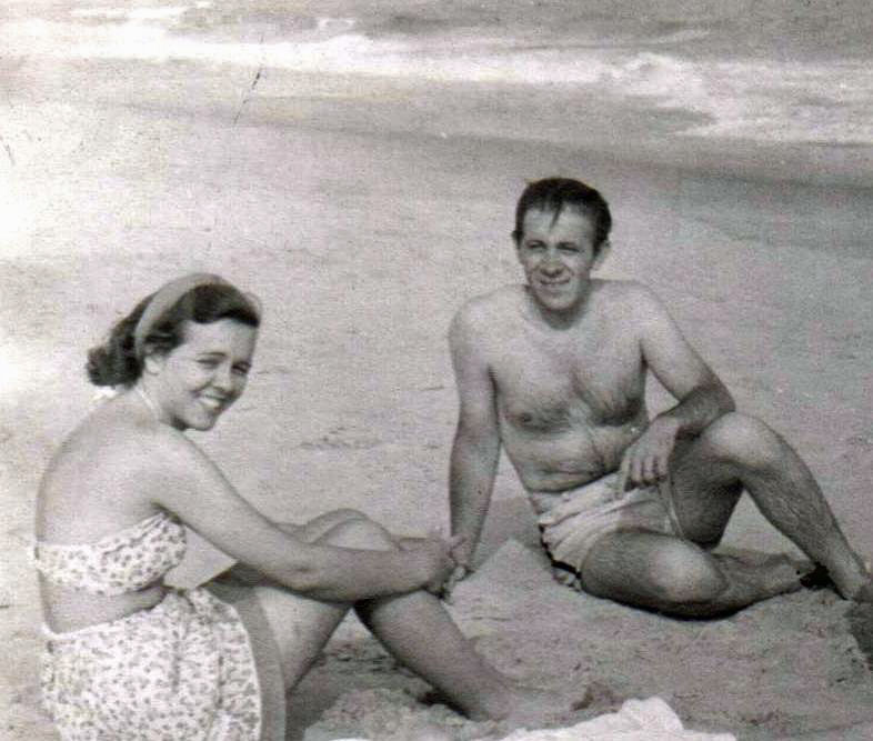 Peter Taylor and his wife Eleanor in 1946. (Wikimedia Commons)